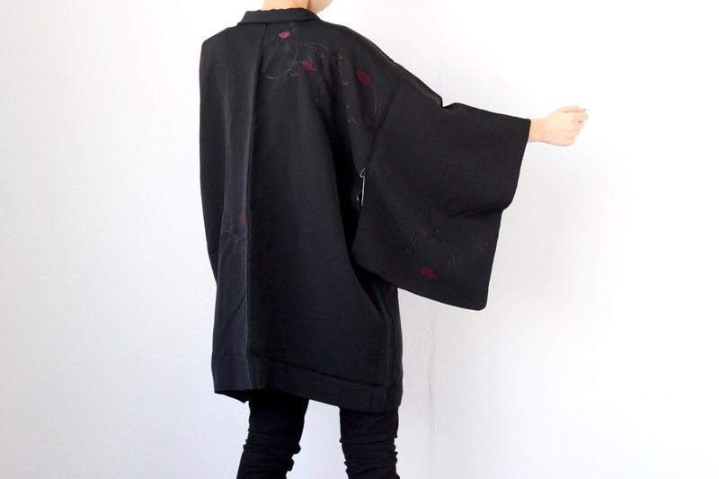black embroidered kimono, Japanese clothing /4132