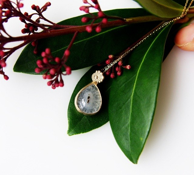 Solar Quartz K10 necklace BATU (Batu)