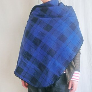 Winter only * nursing Cape * wool and organic cotton * blue check