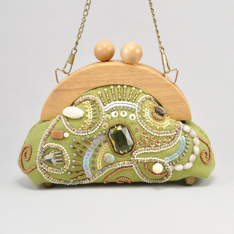statement and sparkle purse with wood frame, chain handle bag, light green bag,