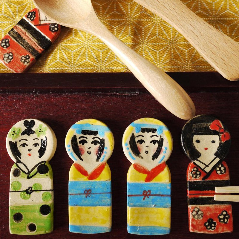 Kokeshi chopstick rest [Yellow]