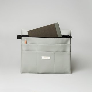 Large pouch in grey