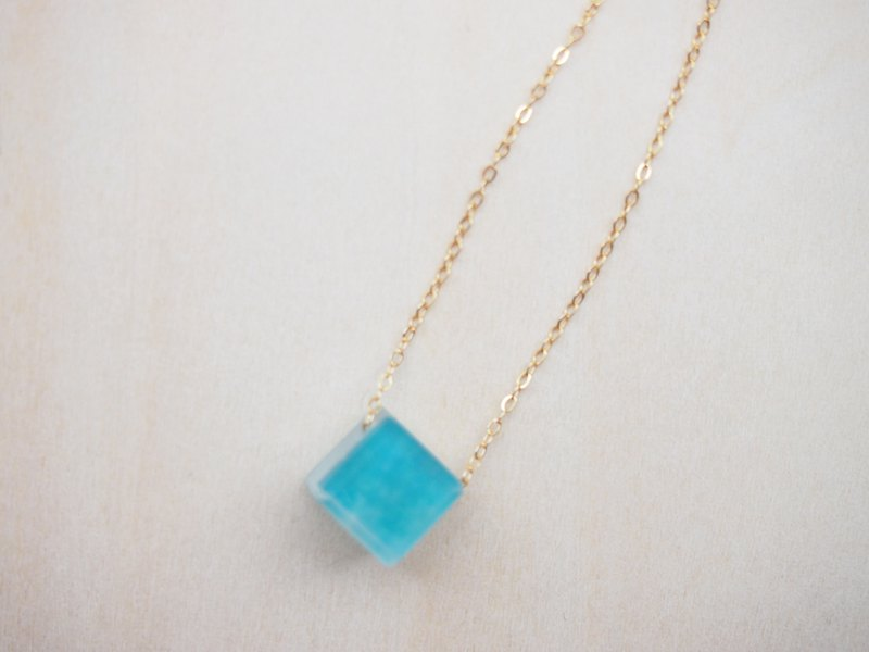 necklace : light blue 14kgf necklace
