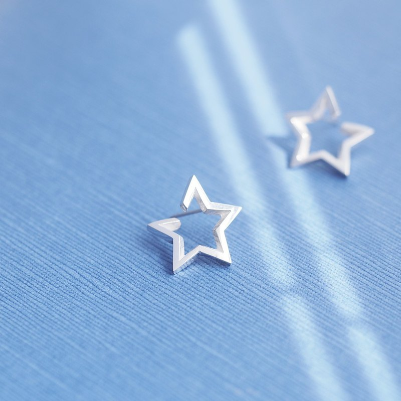 Open Star Pierced Earring 925