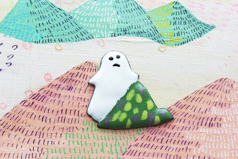 "enamel brooch ""a mountain and ghost"""
