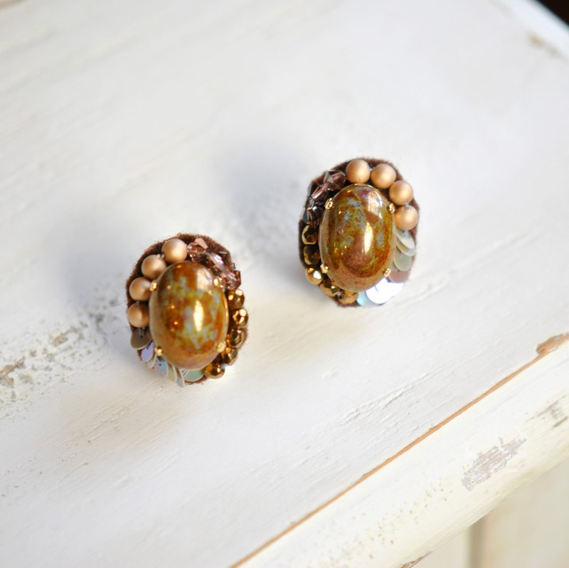 Oval │ Earrings