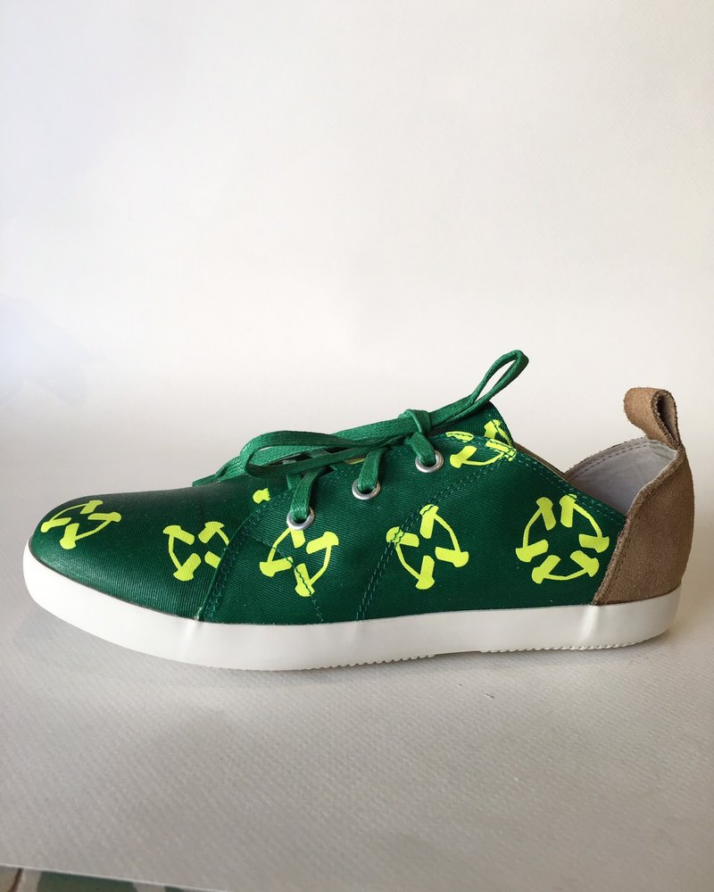 #CIRCULARBUTTERFLYANDFLOWERSNo3 in #semiloafersneakers (shoes/sneakers)