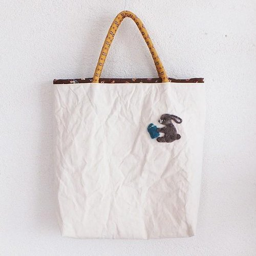 "Canvas bag ""book of the travel world"" rabbit"