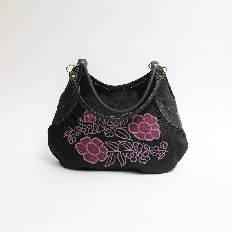 Retro flower embroidery and granny bag