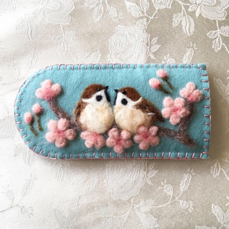 glasses case of sakura and sparrows