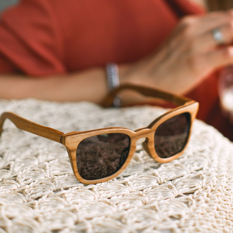 5 HR / Teak Wood , Handmade Wooden Sunglasses