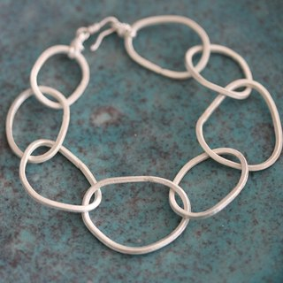 Handmade silver interlocked oval loops bracelet (B0043)