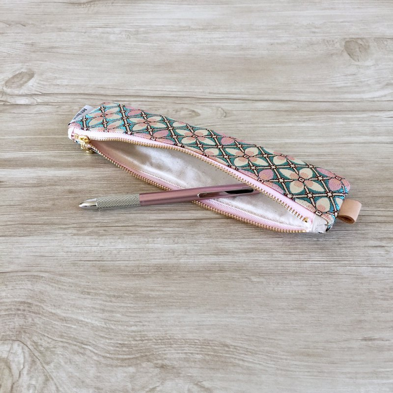 Pastel color porch pen case made of Italian fabric