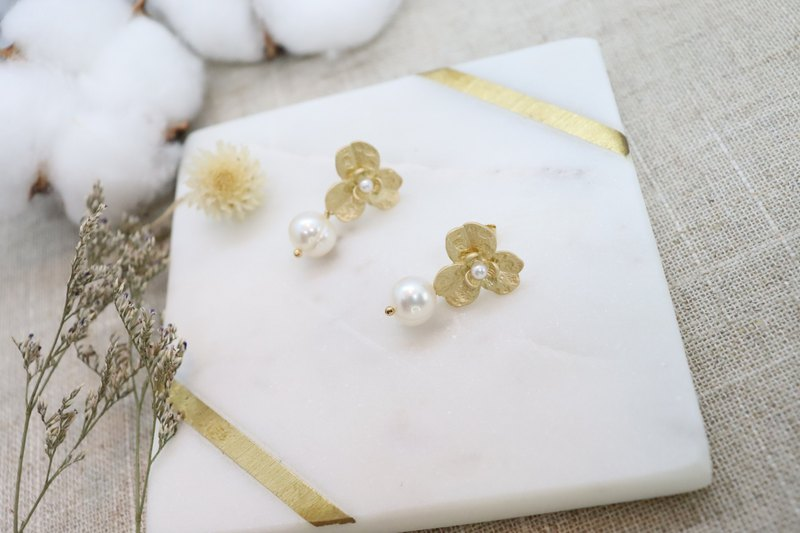 Freshwater Pearl Dangle Matte Gold Flower Post Earrings