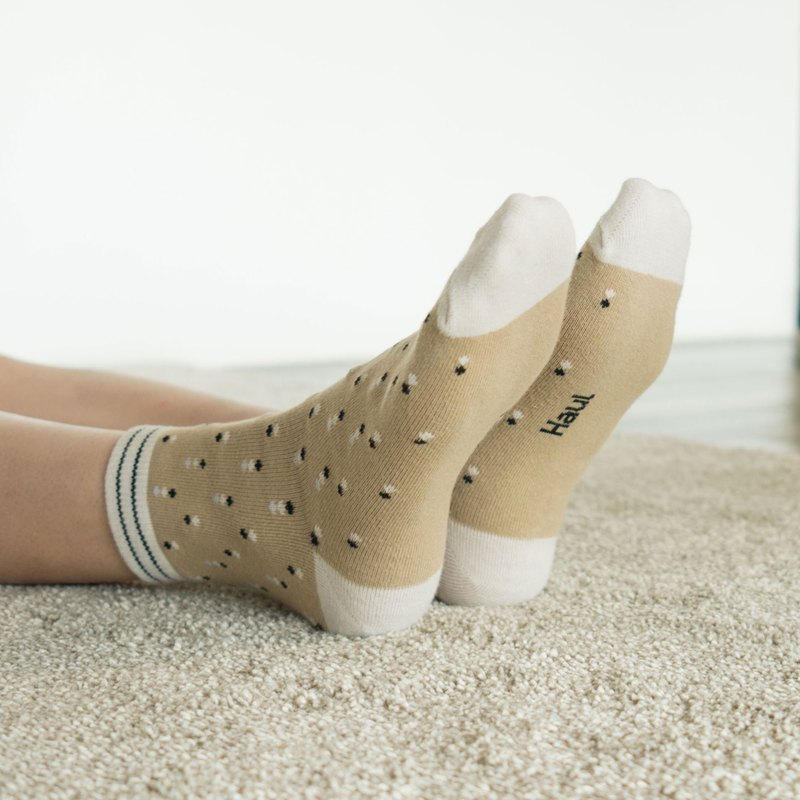 Bobbi in beige - Crew Socks
